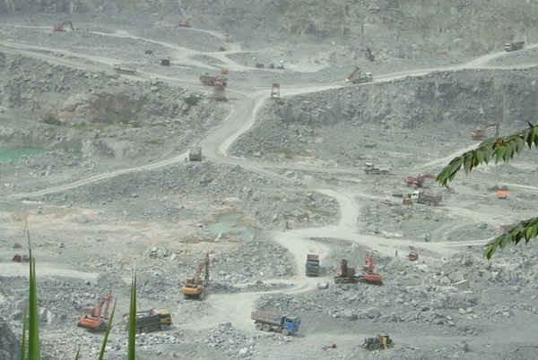 Hoạt động khai thác khoáng sản ở Đồng Nai