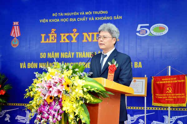 Viện trưởng Viện Khoa học Địa chất và Khoáng sản Trần Tân Văn phát biểu tại buổi Lễ