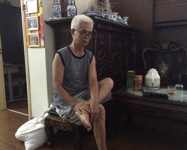 Ông Lê Trần Đích, tổ trưởng tổ dân phố 40, phường Yên Hòa cho rằng quy định như vậy là hợp lý. Ảnh: Quyết Thắng