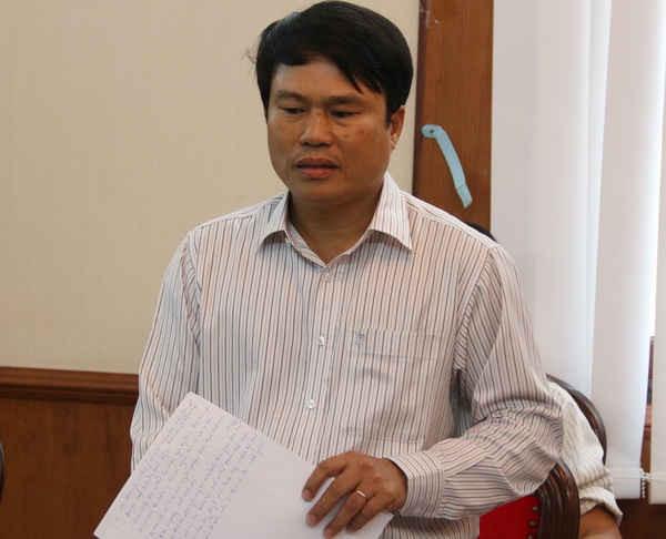 Ông Nguyễn Văn Hiệp – Phó Giám đốc Sở TN&MT Đắk Nông trao đổi tại buổi họp báo