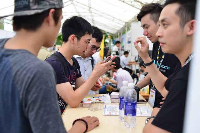 Techfest 2015 đã diễn ra thành công tốt đẹp thu hút hơn 1.000 người tham dự và nhiều doanh nghiệp đầu tư