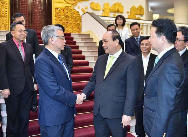 Thủ tướng Nguyễn Xuân Phúc và Bộ trưởng Bộ TN&MT Trần Hồng Hà tiếp đón Bộ trưởng Bộ TN&MT Lào