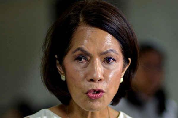 Ngày 15/12, Bộ trưởng Bộ Môi trường và Tài nguyên Philippines Regina Lopez cho biết, Chính phủ Philippines đã hủy bỏ Giấy chứng nhận tuân thủ các quy định về môi trường (ECC) của 3 mỏ, trong đó, có hai mỏ sản xuất niken. Ảnh: Reuters