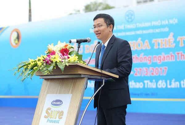 Ông Mai Thanh Việt – Giám đốc Marketing ngành hàng Sữa bột Vinamilk cam kết sẽ tiếp tục đồng hành cùng các hoạt động chăm sóc sức khỏe cho cộng đồng người cao tuổi tại Thủ đô và trên toàn quốc