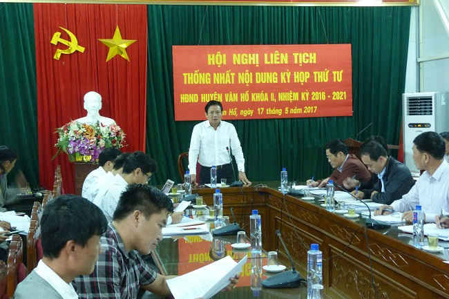 Ông Bùi Đức Hải, Phó Chủ tịch UBND tỉnh Sơn La phát biểu chỉ đạo buổi làm việc.