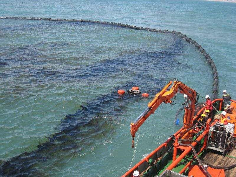 Tràn dầu trên biển là một trong những nguyên nhân gây ô nhiễm môi trường biển nghiêm trọng nhất hiện nay