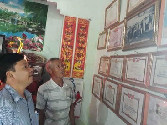 Bức ảnh luôn được đặt ở vị trí trung tâm trong căn nhà của ông Liên.