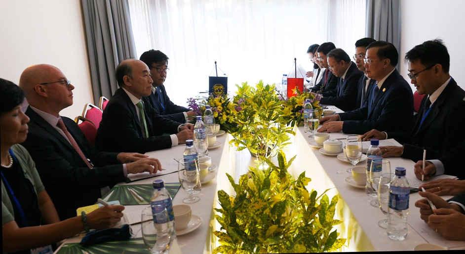 Cuộc gặp song phương Việt Nam - IMF