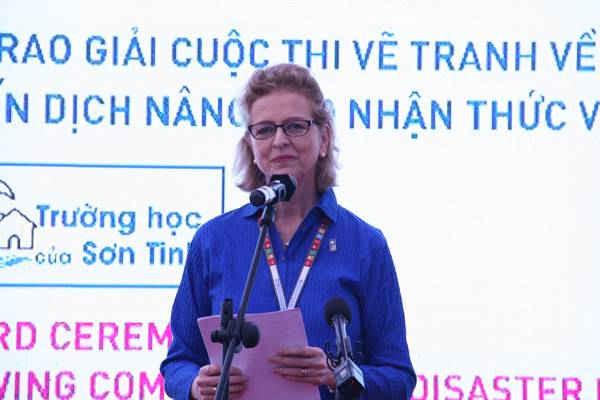 Bà Ms. Caitlin Wiesen, Quyền đại diện thường trú của UNDP tại Việt Nam phát biểu
