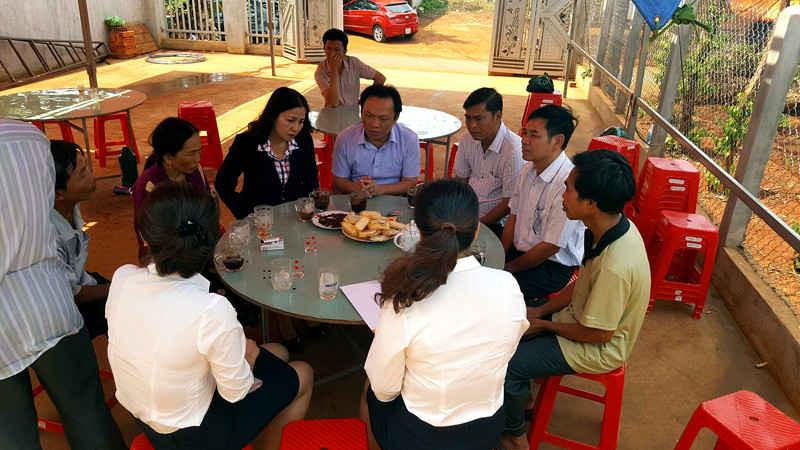 Ảnh Công ty Bảo hiểm Bưu điện Gia Lai thăm và chi trả tiền bảo hiểm cho thân nhân em Hường