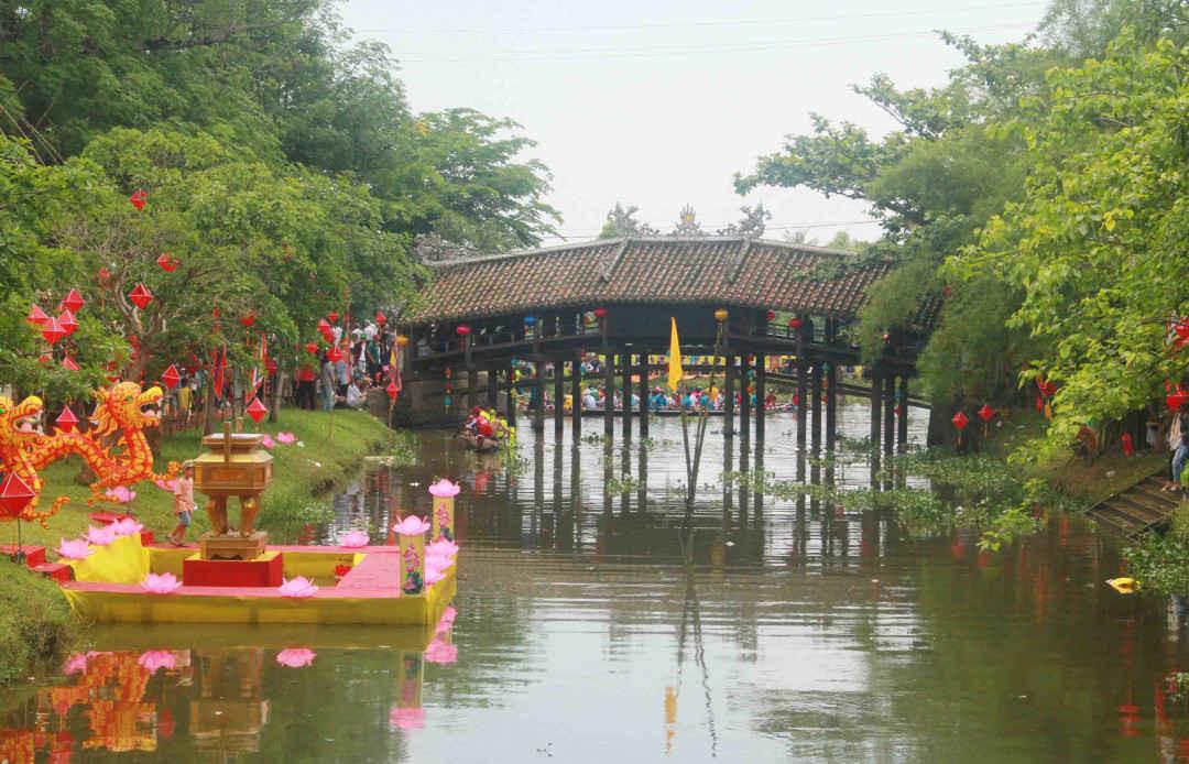 Cầu ngói Thanh Toàn những ngày diễn ra Festival Huế
