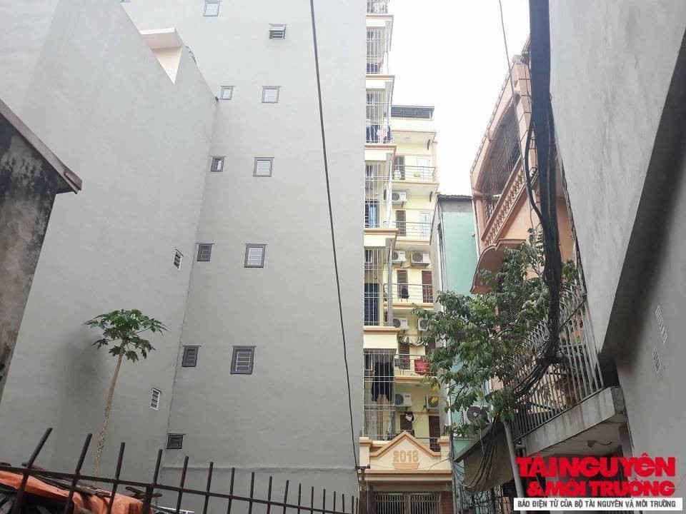 Hàng loạt công trình chung cư mini đang đội lớp vỏ nhà ở riêng lẻ hoạt động ngang nhiên tại phường Mễ Trì.