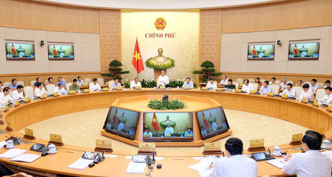 Chính phủ họp tháng 4