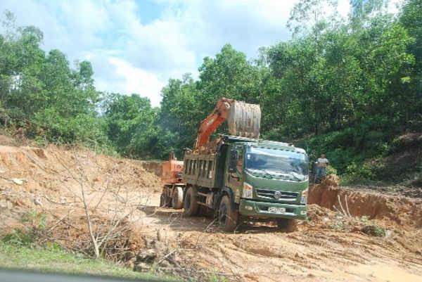 Đất trái phép ra sức diễn ở Can Lộc dưới sự tiếp tay của cơ quan thực thi pháp luật