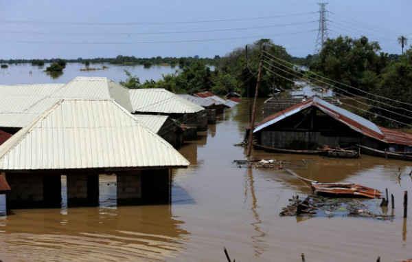 Những ngôi nhà ngập trong nước lũ tại thành phố Lokoja, bang Kogi, Nigeria vào ngày 17/9/2018. Ảnh: Afolabi Sotunde