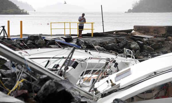 Thiệt hại do bão gây ra tại cảng Shute ở Queensland, Australia. Các báo cáo gần đây đã cho thấy sự nguy hiểm của thời tiết khắc nghiệt nếu nhiệt độ trung bình toàn cầu tăng đến 1,5 độ C. Ảnh: Dan Peled / AAP