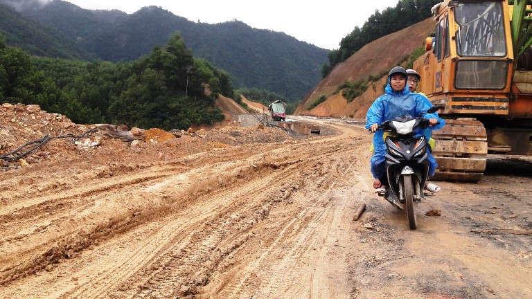 Sau gần 4 năm, dự án đường cao tốc La Sơn - Túy Loan vẫn đang chậm tiến độ