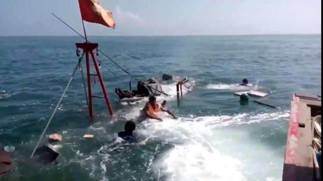 Một vụ chìm tàu trên biển