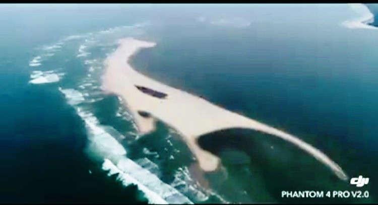 Cồn cát nổi bất thường tại biển Cửa Đại dài khoảng 1,5km, rộng 200m, cao hơn 2m so với mực nước biển