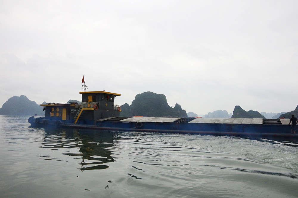 Tàu chở than không có giấy tờ hợp lệ bị Hải đội 2, BĐBP Quảng Ninh bắt giữ