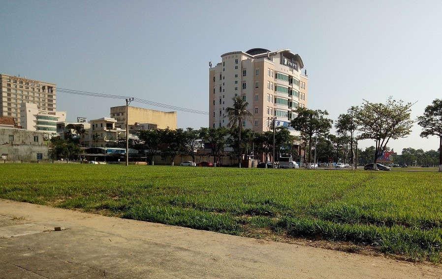 UBND TP. Đà Nẵng ban hành Quyết định 06/2019/QĐ-UBND ngày 31/1/2019 về điều chỉnh giá đất khiến hàng ngàn người dân nợ tiền đất tái định cư phải trả nợ cao gấp hơn 3 lần so với nợ gốc