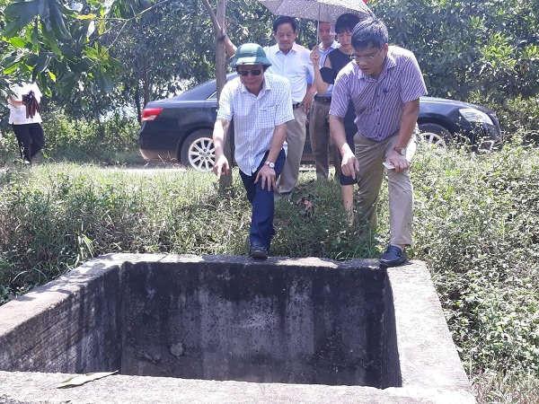 Thứ trưởng Bộ TN&MT Võ Tuấn Nhân kiểm tra Khu liên hợp xử lý chất thải rắn Nghi Yên (huyện Nghi Lộc) vào tháng 4/2019
