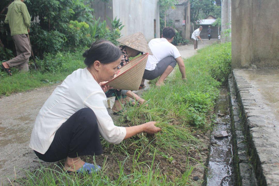 Lễ phát động hưởng ứng Ngày môi trường thế giới do Ủy ban MTTQVN tỉnh Điện Biên tổ chức nhằm duy trì, nhân rộng và xây dựng mới các mô hình khu dân cư bảo vệ môi trường.