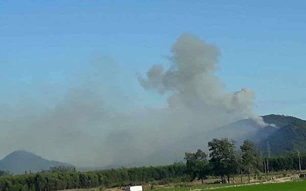Nắng nóng gay gắt kéo dài nên rừng đã liến tiếp bị cháy ở Nghệ An