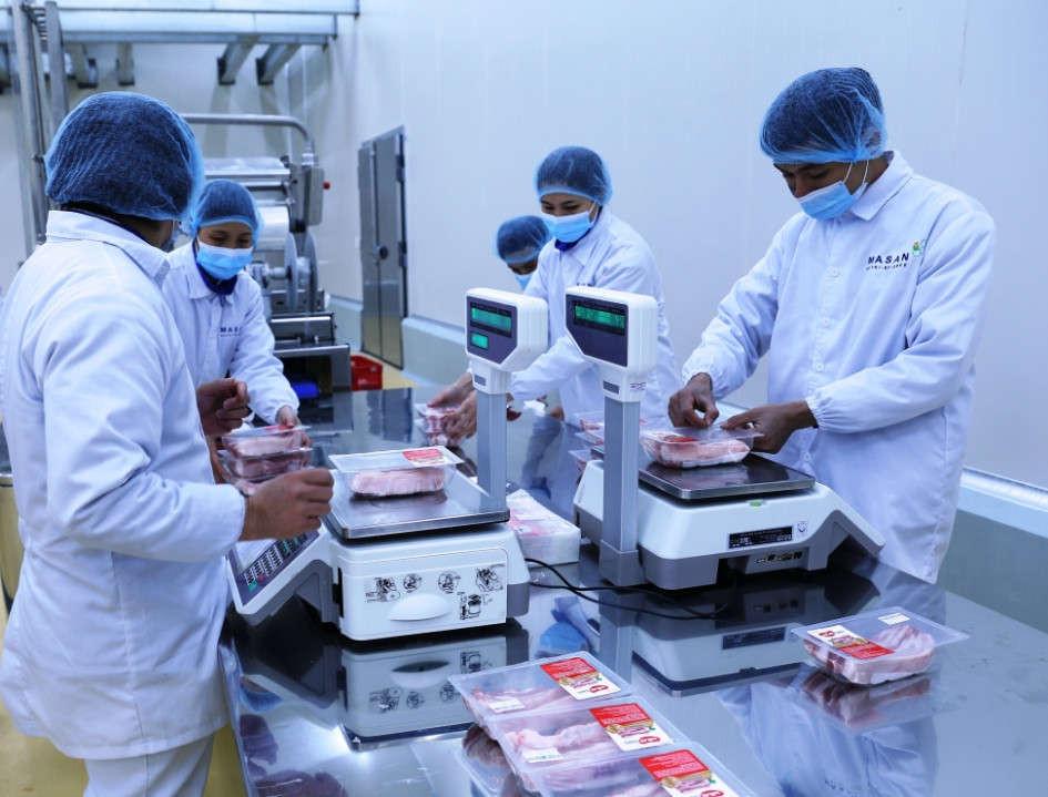 IMG 5726 đóng gói, cân và dán nhãn chứng nhận (1)