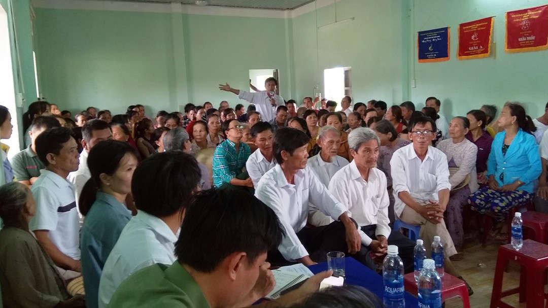 Đông đảo người dân thôn Đại An, xã Đại Nghĩa tham gia cuộc họp do UBND huyện Đại Lộc tổ chức