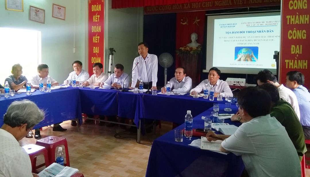 Chủ tịch UBND huyện Đại Lộc Trần Văn Mai phát biểu tại cuộc họp