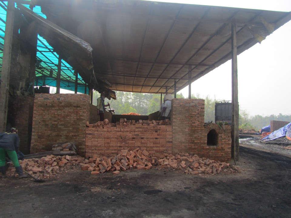 Huyện Điện Biên sẽ xử lý dứt điểm hoạt động của cơ sở sản xuất than cốc trước ngày 31/8.