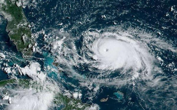 Hình ảnh bão Dorian từ Cơ quan Khí quyển và Đại dương Quốc gia Mỹ (NOAA), vệ tinh GOES-East của NOAA trên Đại Tây Dương vào ngày 31/8/2019