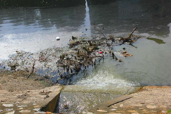 Nước thải sinh hoạt vẫn đổ ra sông