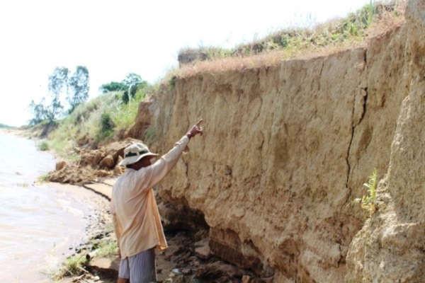Sạt lở bờ sông ở Quảng Nam diễn ra ngày càng nghiêm trọng