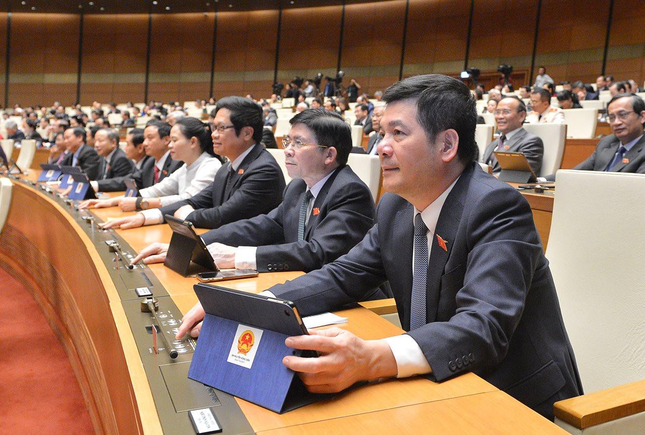 Đại biểu Quốc hội bấm nút thông qua Luật Bảo vệ môi trường (sửa đổi)