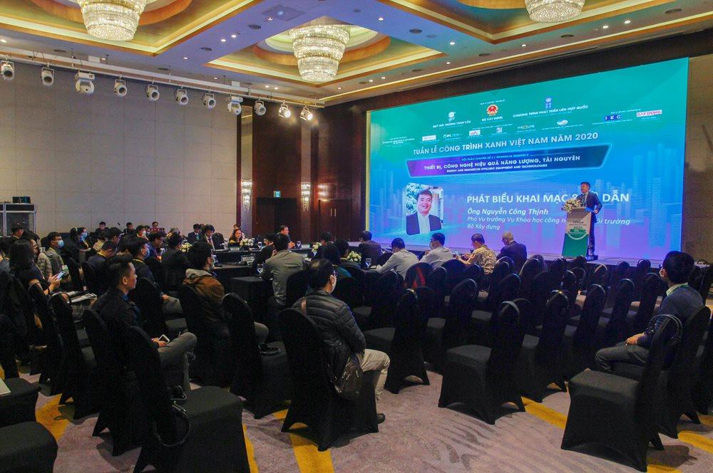 Ông Nguyễn Công Thịnh, Phó Vụ trưởng Vụ Khoa học công nghệ và Môi trường – Bộ Xây dựng phát biểu khai mạc Hội thảo.