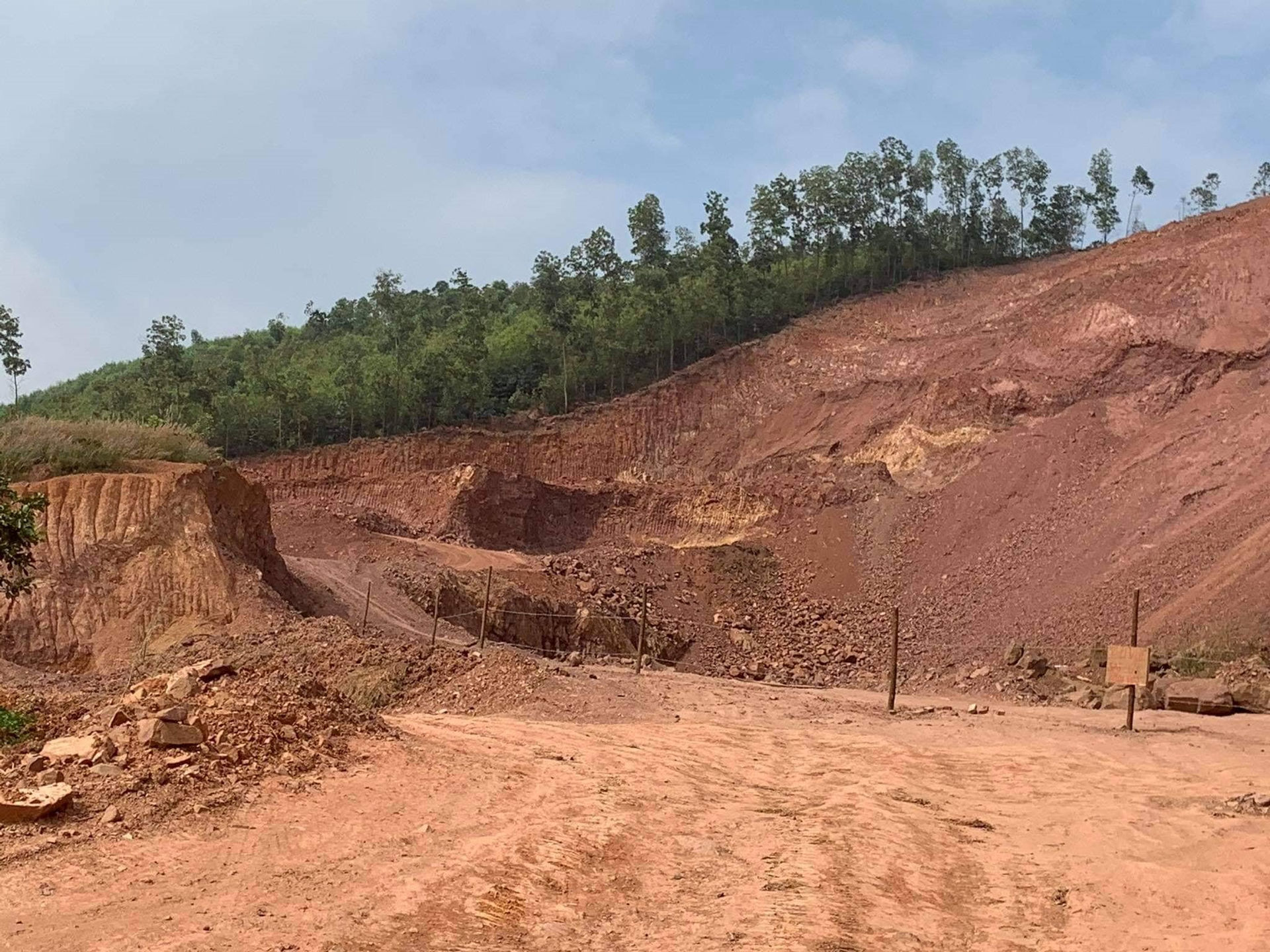 Bắc Giang: Công ty Vĩnh Long có mang khoáng sản ra khỏi tỉnh?