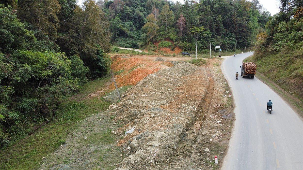Cao Bằng: Tái diễn tình trạng đổ thải trái phép lên đất nông nghiệp