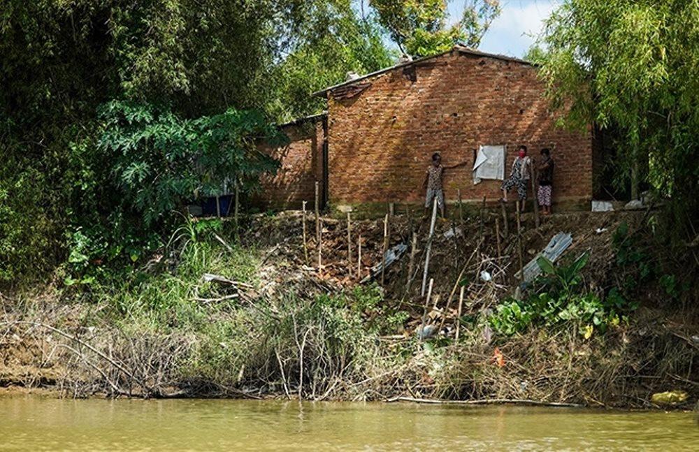 """Quảng Ngãi: Xóm """"ốc đảo"""" với nỗi lo sông nuốt làng"""