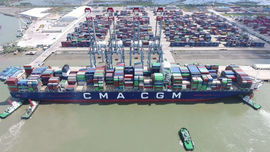 Cảng quốc tế Cái Mép bắt đầu tiếp nhận siêu tàu container hàng tuần