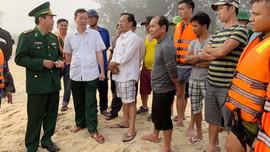 Giải cứu 4 thuyền viên gặp nạn trên vùng biển Thừa Thiên Huế