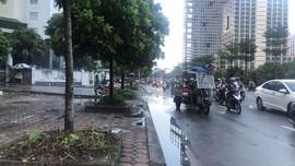 Người dân Kim Liên, Tân Mai, Mỹ Đình được hưởng chất lượng không khí tốt trong ngày Hà Nội trở mưa