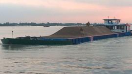 Lỗ hổng quản lý khai thác cát sỏi lòng sông: Bài toán cung - cầu