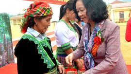 Trưởng ban Dân vận Trung ương Trương Thị Mai dự lễ đón nhận chuẩn nông thôn mới tại xã Kiên Thành