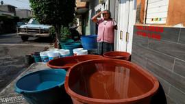 Thiếu nước khiến người Mexico khốn khổ hơn trong cuộc chiến chống COVID-19
