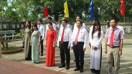 Quảng Trị: Đoàn đại biểu Quốc hội dâng hương, dâng hoa tưởng nhớ Chủ tịch Hồ Chí Minh