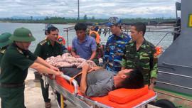 Biên phòng Quảng Trị cứu hộ thành công một thuyền viên gặp nạn trên biển