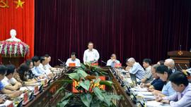 Phó Chủ tịch Quốc hội Phùng Quốc Hiển làm việc tại Điện Biên