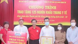 Tập đoàn Minh Trí tặng 125.000 khẩu trang y tế cho Đà Nẵng để phòng, chống dịch Covid-19